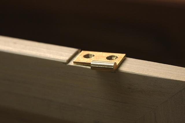 [fabrication] Meuble de salle de bains en Robinier - Page 4 Charni10