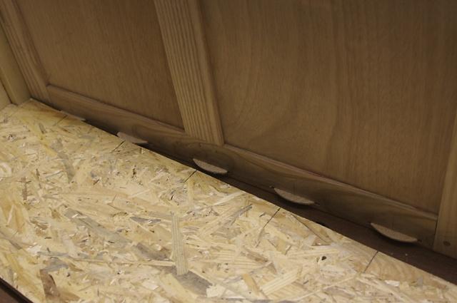 [fabrication] Meuble de salle de bains en Robinier - Page 3 Fond-l11