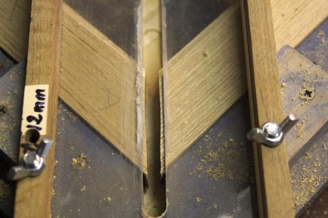 [fabrication] Meuble de salle de bains en Robinier - Page 2 Onglet18