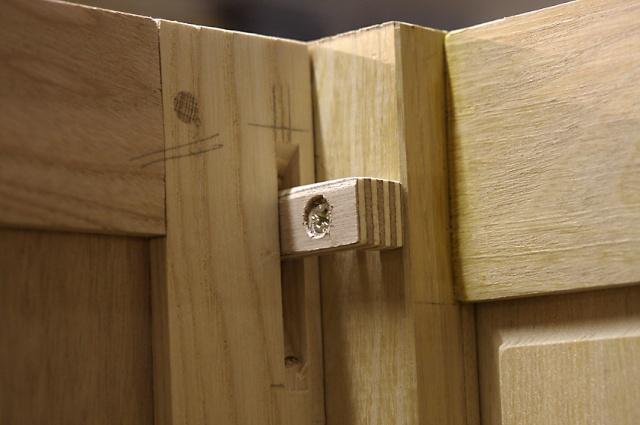 [fabrication] Meuble de salle de bains en Robinier - Page 3 Taquet10
