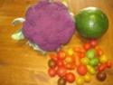 assiette colorée d'avocat et crudités à la mayonnaise.photos. Img_1224