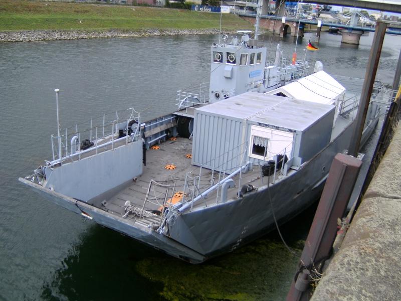 Mannheimer HafenSuchen - Landungsschiff Zander im Mannheimer Hafen Pict0043