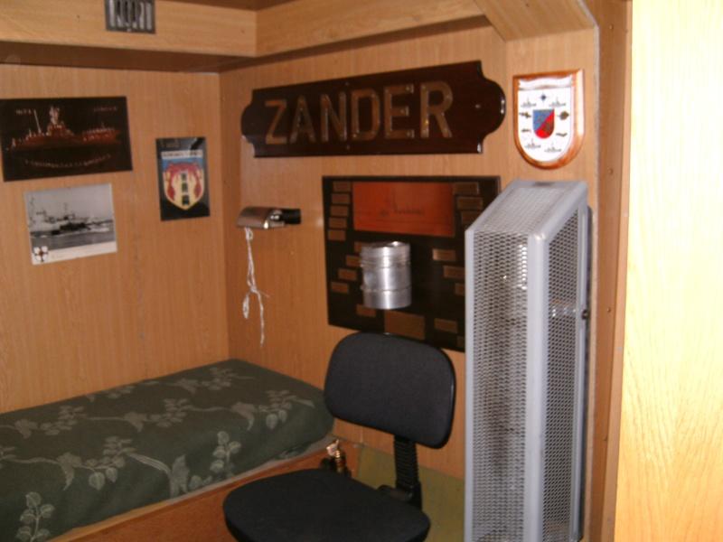 Mannheimer HafenSuchen - Landungsschiff Zander im Mannheimer Hafen Pict0046