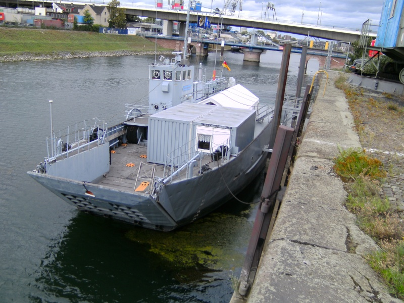Mannheimer HafenSuchen - Landungsschiff Zander im Mannheimer Hafen Pict0107