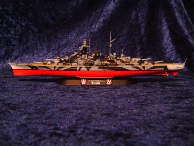 Schlachtschiff TIRPITZ von Revell 1:700 Pict0302