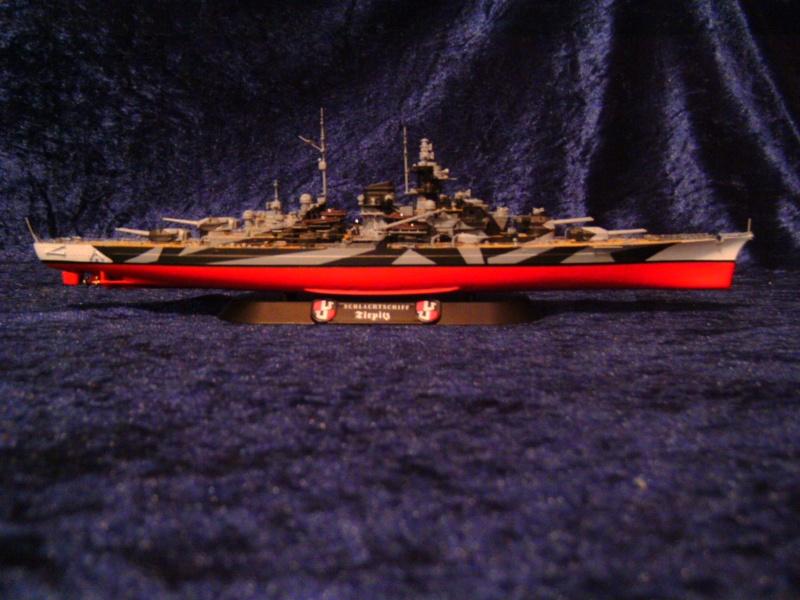 Schlachtschiff TIRPITZ von Revell 1:700 Pict0305