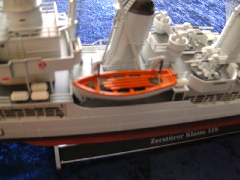 """Zerstörer 5"" D179 von Revell in 1 : 144 Pict4519"