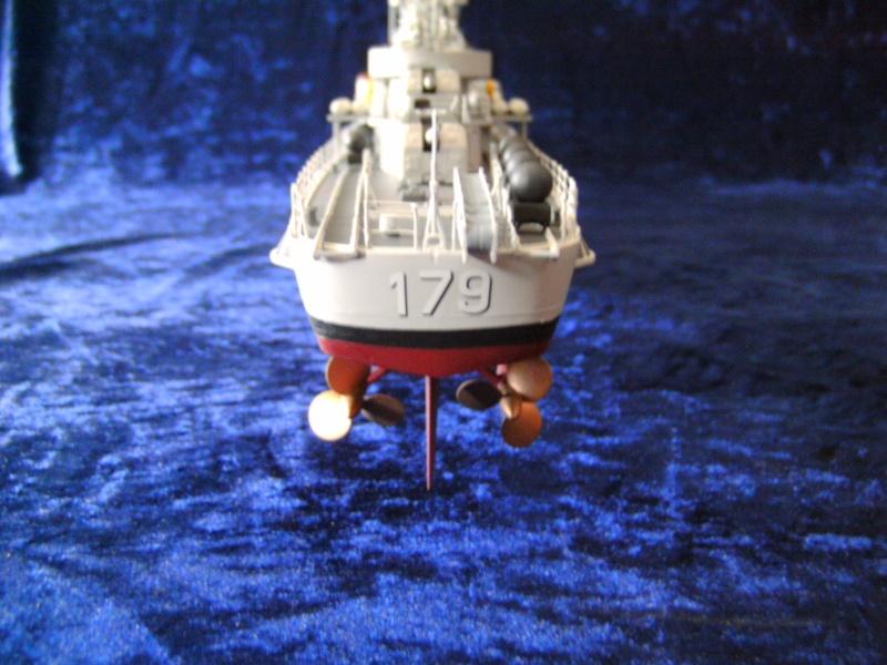 """Zerstörer 5"" D179 von Revell in 1 : 144 Pict4523"