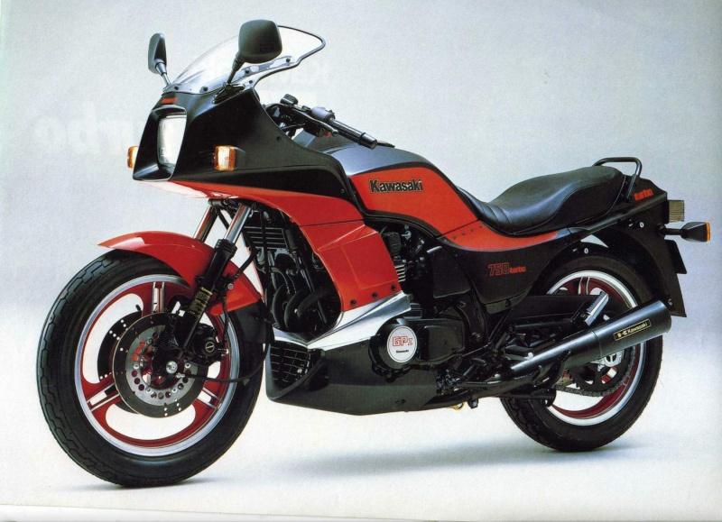 La CX 500 Turbo a 30 ans en 2012! Kawasa10
