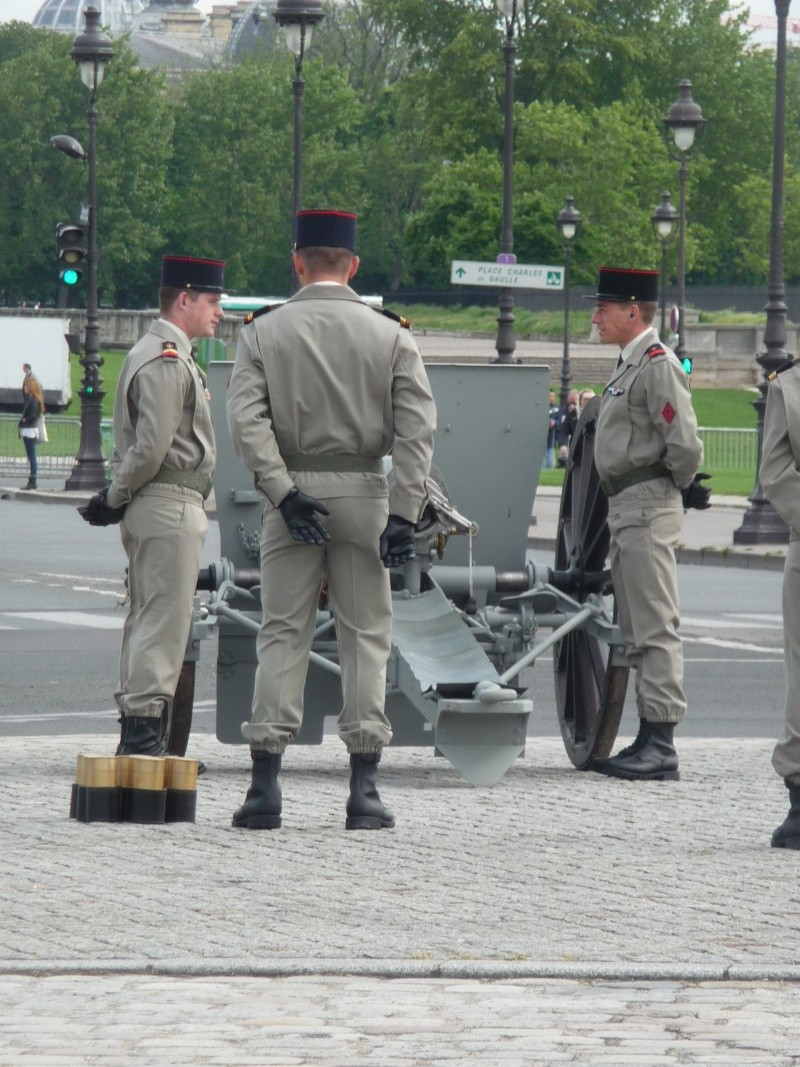 cérémonie d'investiture 15 mai 2012 le son du canon P1040524