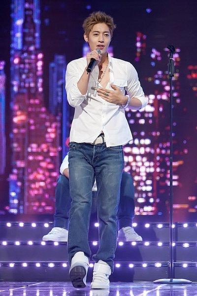 Kim Hyun Joong - Break Down  26853710