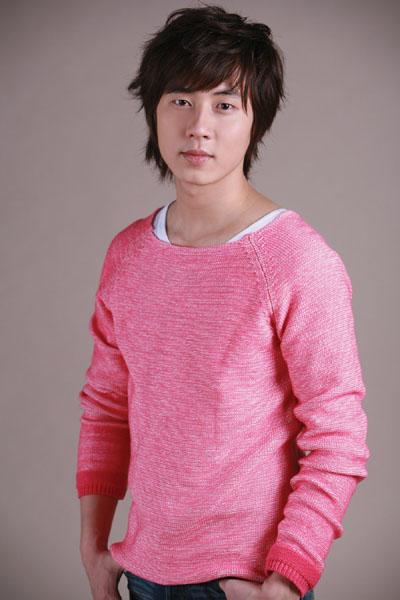 (Présentation) Shinhwa ( 신화 ) Andy_410