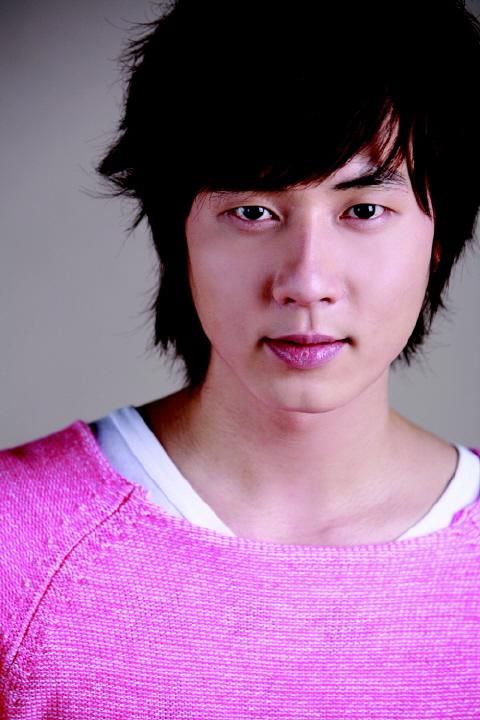(Présentation) Shinhwa ( 신화 ) Andy_510