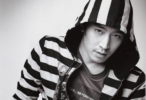 (Présentation) Shinhwa ( 신화 ) Eric_210