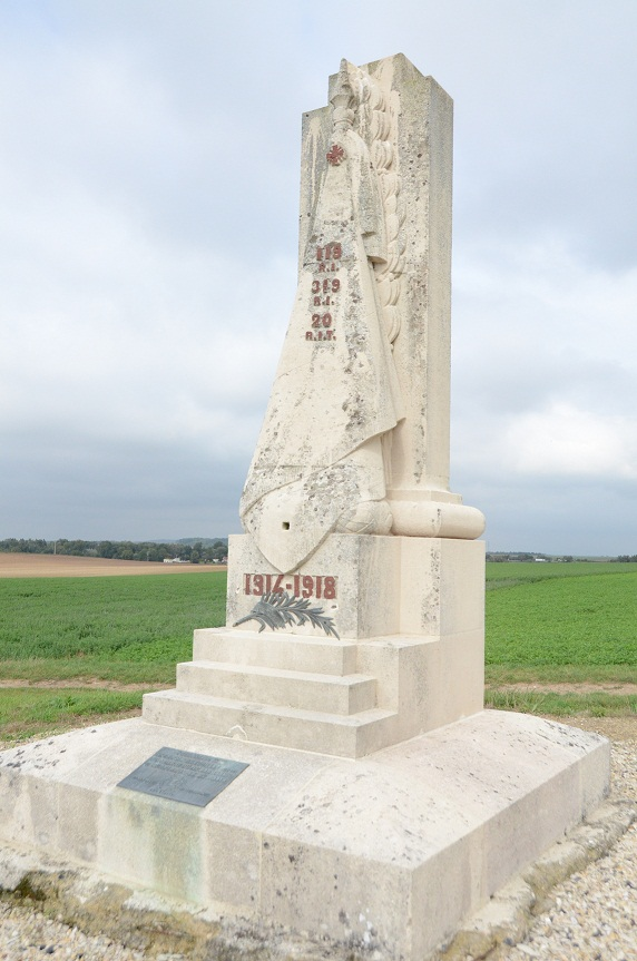 Le monument au 119e RI en photos 119e-312