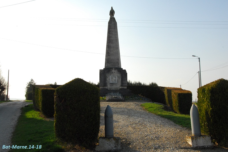 Le Monument aux Morts de Loivre 220
