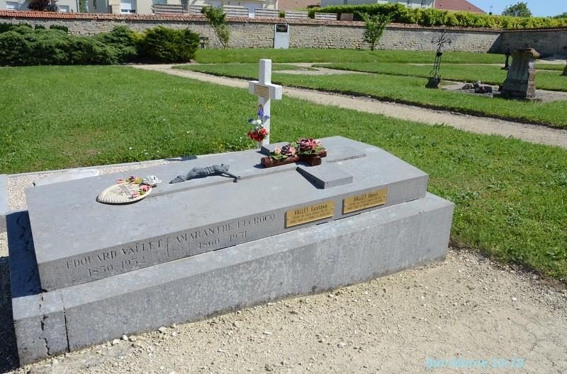 Le cimetière communal de Cormicy (51)  2e partie 3510
