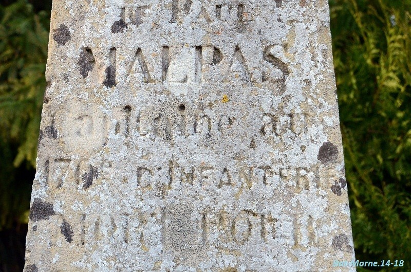 Le Monument au Capitaine MALPAS du 170e R.I. à Loivre (51) 41210