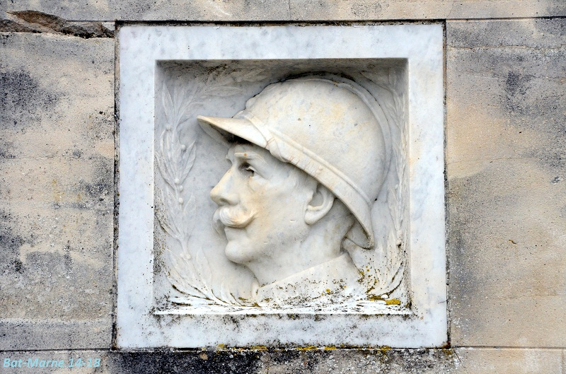 Le Monument aux Morts de Loivre 516
