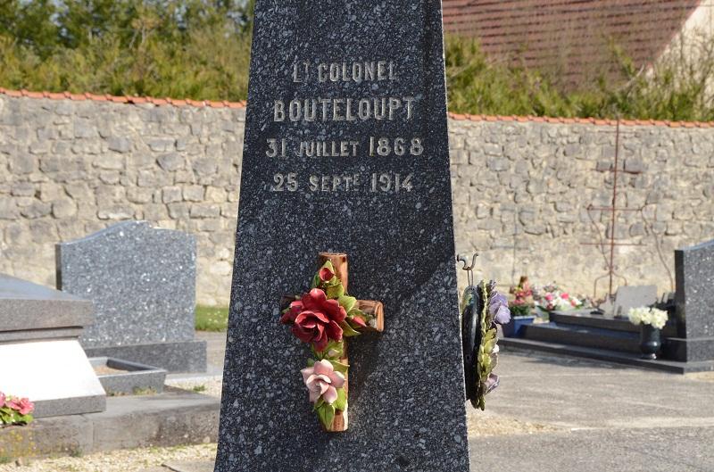 Cimetière communal de Cauroy-les-Hermonville 712