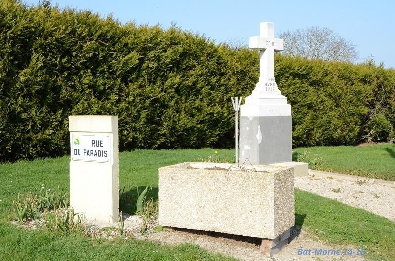 Le Monument au 35e R.I. à Berméricourt (51) 81311