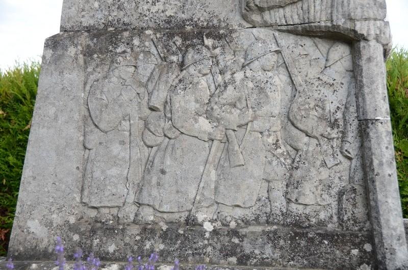 Monument au 363ème R.I. à Loivre Dsc_1321