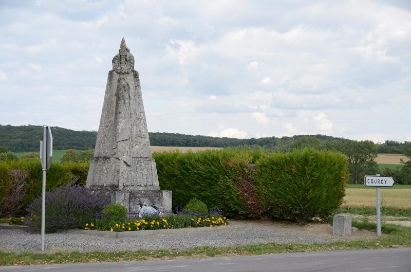 Monument au 363ème R.I. à Loivre Dsc_1322
