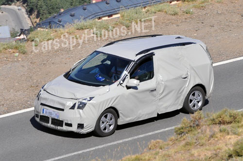 2011 - [Renault] Scénic III Restylé [J95] - Page 2 2012-r11