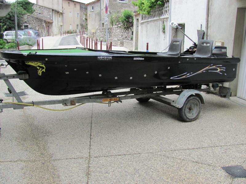 Micka07 = bass boat fini 00210
