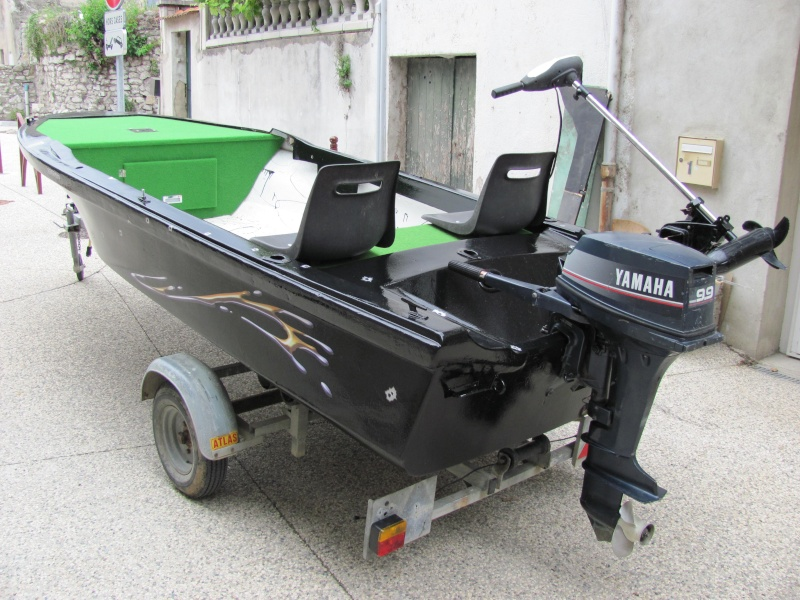 Micka07 = bass boat fini 00510