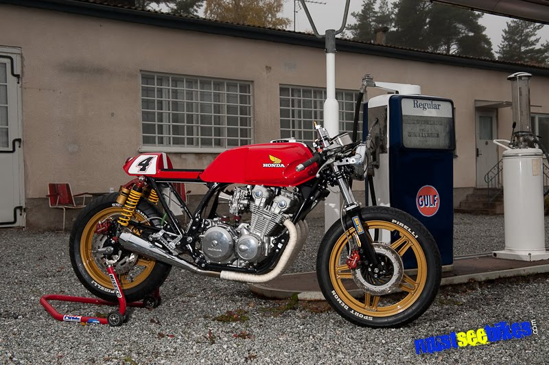 Honda CB900 Locati10