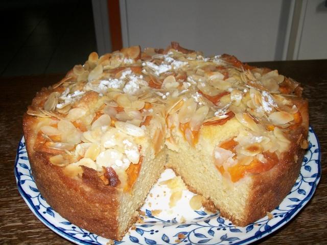 gâteau aux abricots et aux amandes  Gateau11