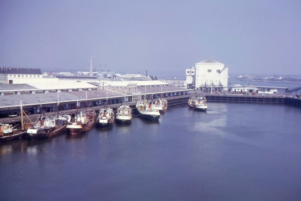 [Les ports militaires de métropole] Port de LORIENT - Page 8 1963_113
