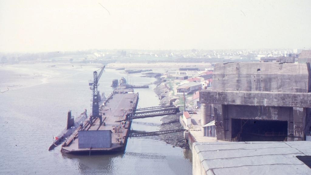 [Les ports militaires de métropole] Port de LORIENT - Page 8 1963_310