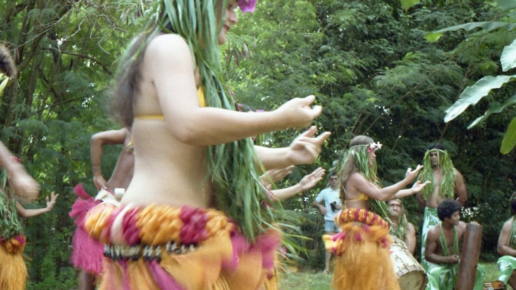 RHÔNE (BSL) - Page 32 Tahiti20