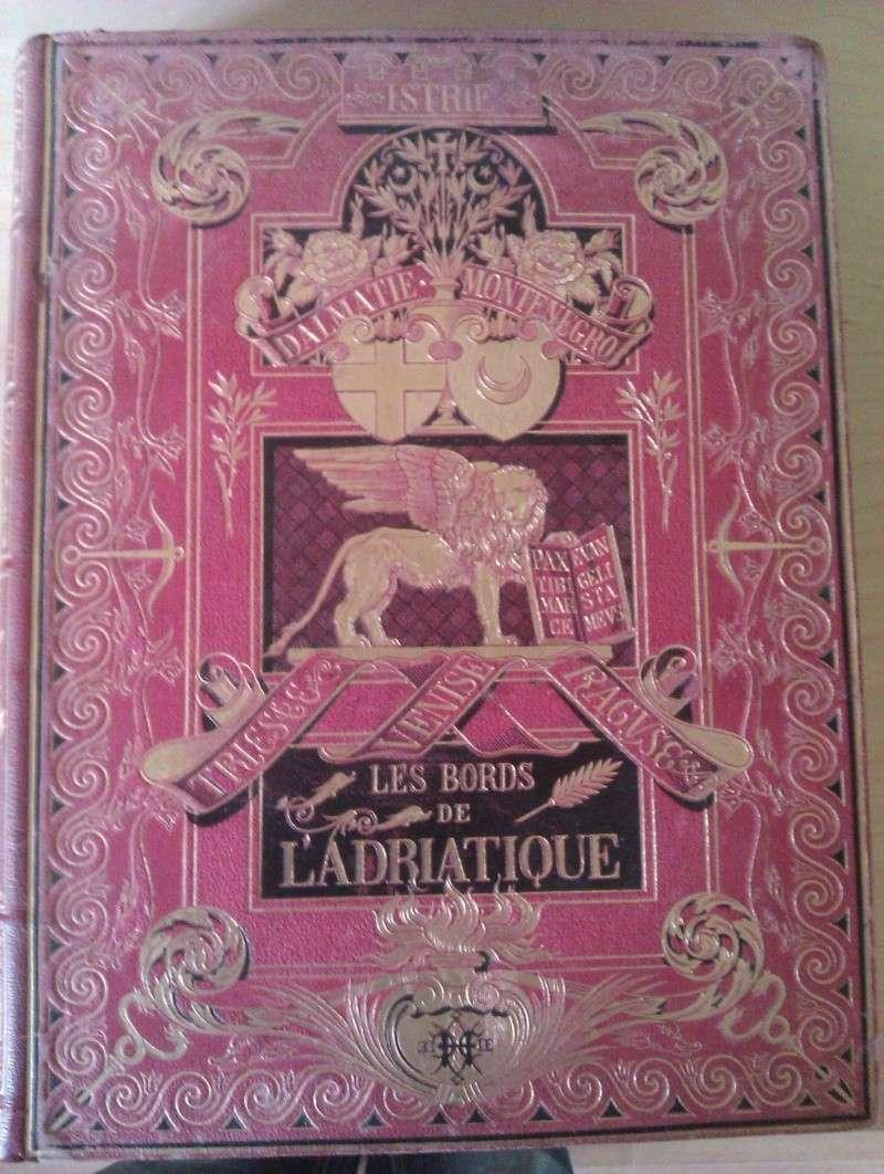 Quels sont les livres les plus étonnants/remarquables de votre bibliothèque ? Imag0112