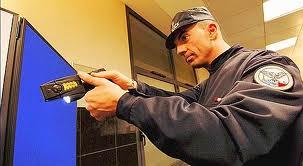 Special investigation : Pistolet taser : arme fatale ? ( en streaming ) Images34