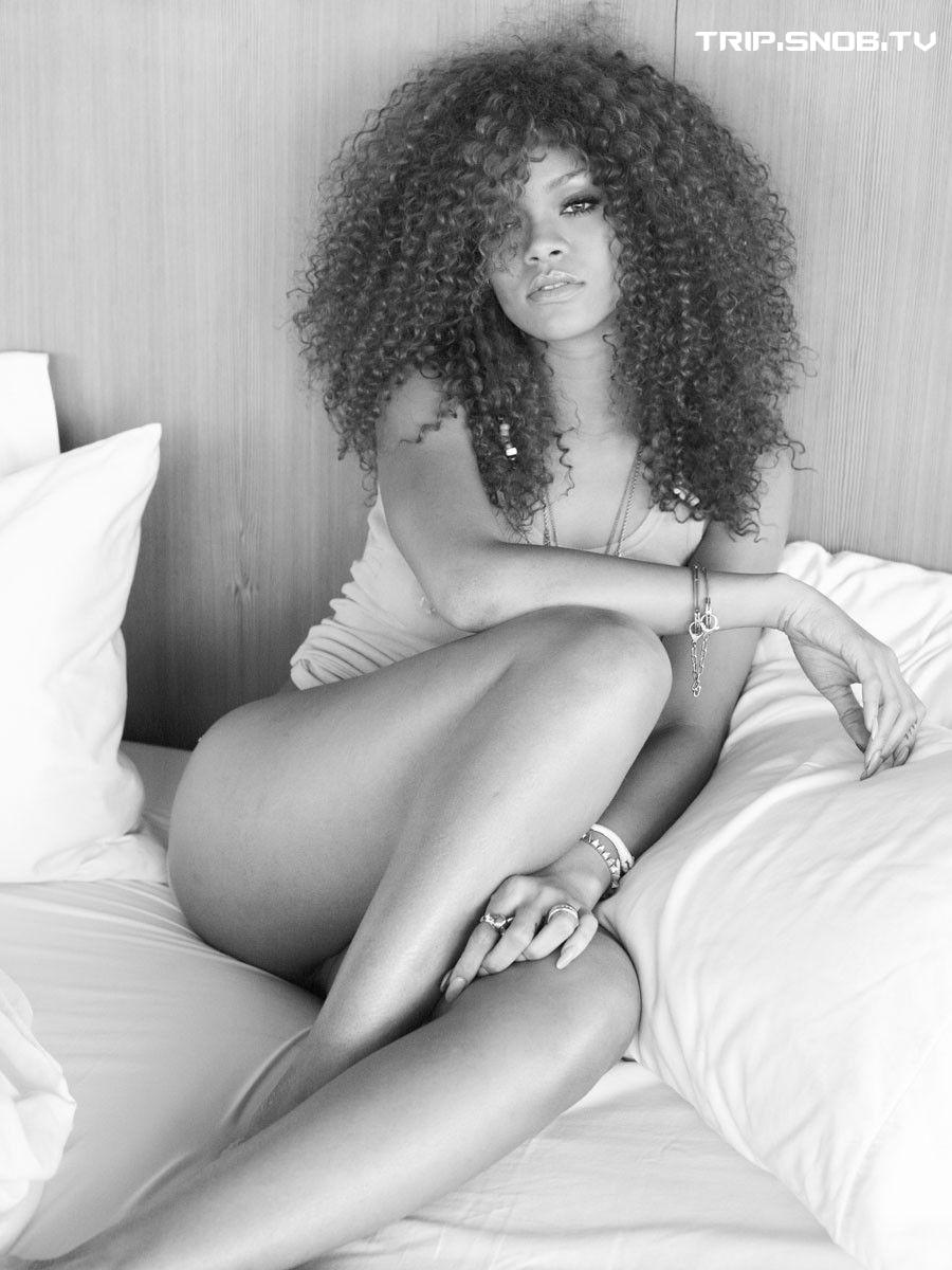 Rihanna - Rolling Stone Magazine Outtakes (Dec'11)  Rihann19