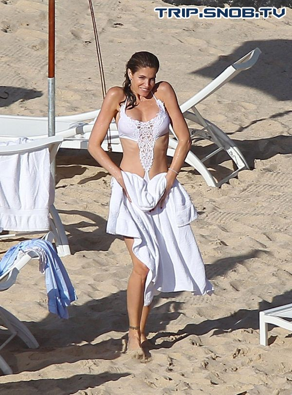 Stephanie Seymour enjoys the Ocean in St. Barts Stepha10