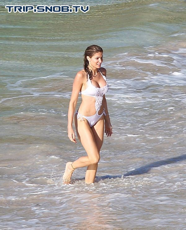 Stephanie Seymour enjoys the Ocean in St. Barts Stepha11
