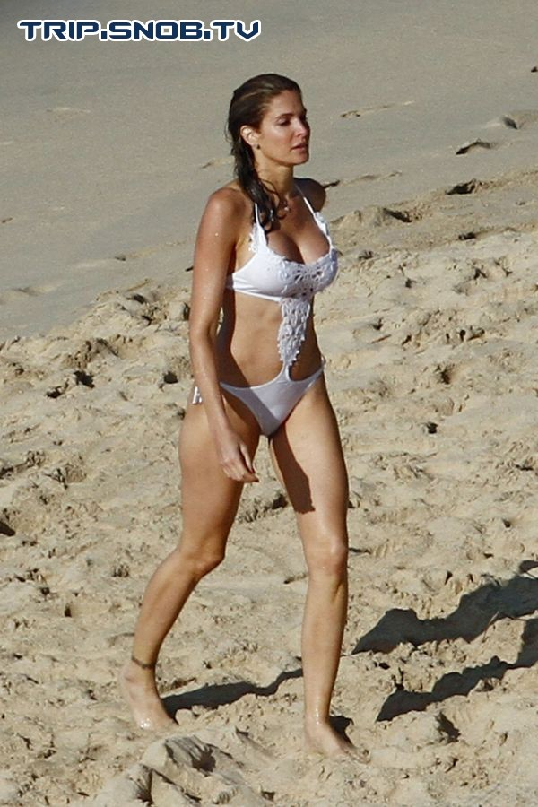 Stephanie Seymour enjoys the Ocean in St. Barts Stepha12