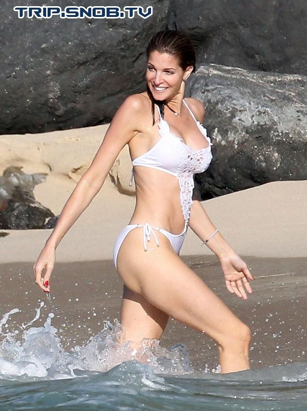 Stephanie Seymour enjoys the Ocean in St. Barts Stepha13