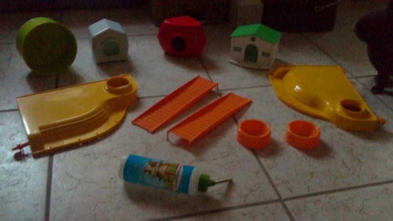 Divers accessoires pour cage de petits rongeur... 20102010