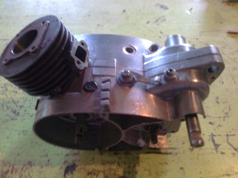 reconditionnement du moteur record de 64 Photo123