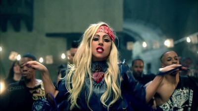 Beyonce et Sasha Fierce son entité démoniaque. Normal16