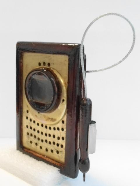 Reconstrucción de un celular al estilo Steampunk  Dsc00023