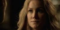 Les postes vacants de la série Vampire Diaries Esther10