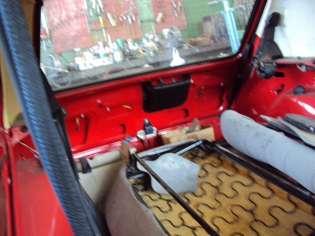 R5 GTL rouge 5 portes de 1981 Dsc01213
