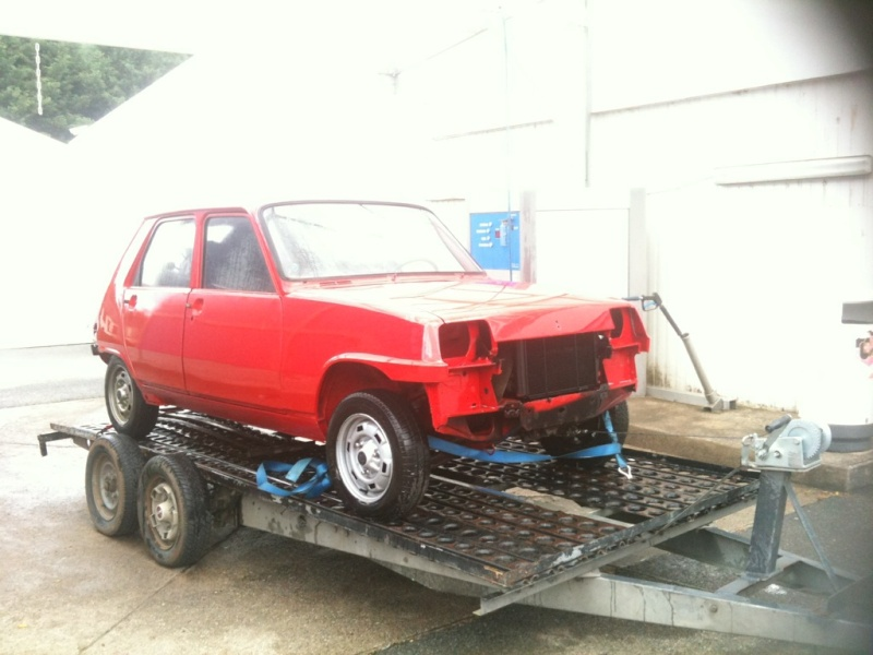 R5 GTL rouge 5 portes de 1981 Img_4210