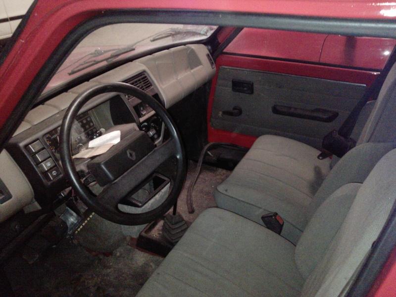 R5 GTL rouge 5 portes de 1981 P1950_11
